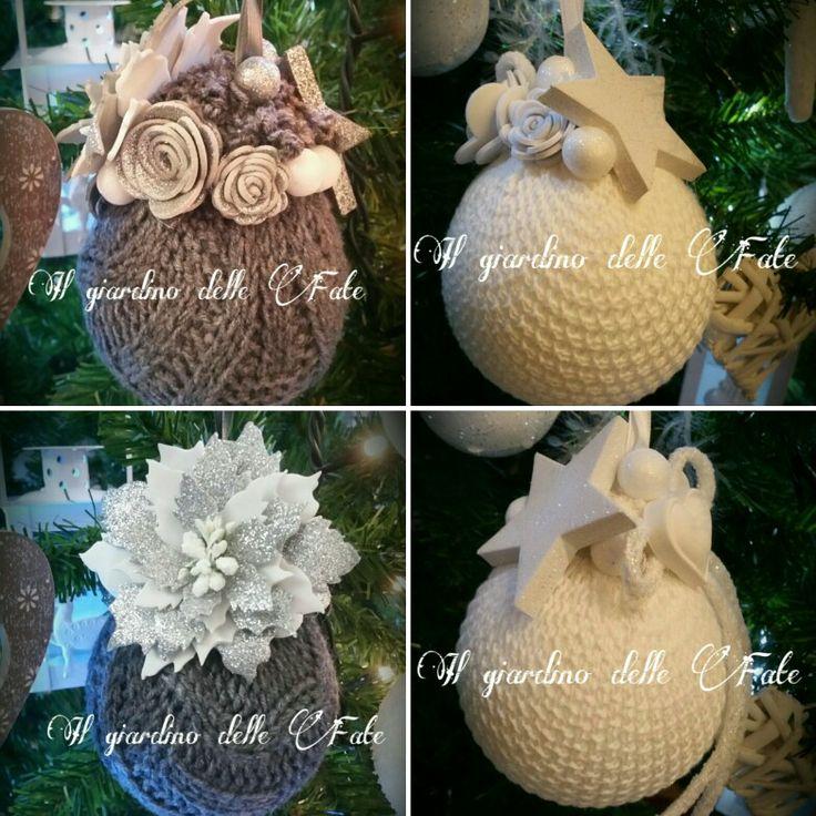 Palline ricoperte di lana con fiori in fommy. ..🎄🎄🎄🎄per abbellire I vostri alberi