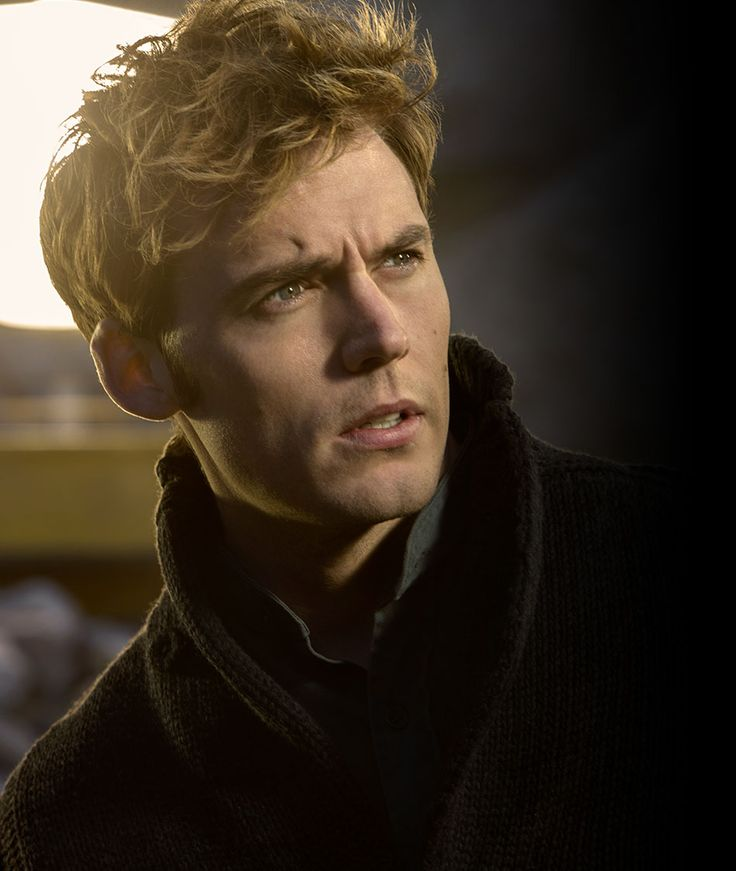Sam Claflin returns to The Hunger Games: Mockingjay Part 1 as Finnick Odair, an emotional victor of the Games.