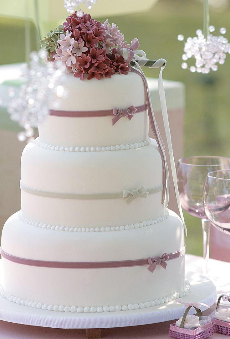Resultados da Pesquisa de imagens do Google para http://www.noivas.net/files/2011/06/bolo-de-casamento.jpg