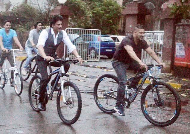 http://www.todayview.co/1354/srk-sallu-bhai-reunion-big-moment/