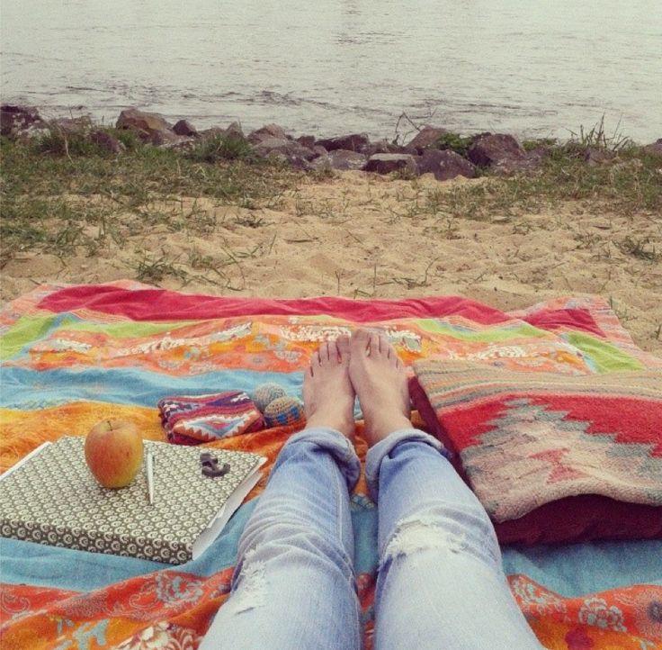 Kreativ sein am Rhein mit Sonnenschein. Ankerketten schleifen und dabei dem Wasser und den Schiffchen lauschen. Ahoi Matrosen :P