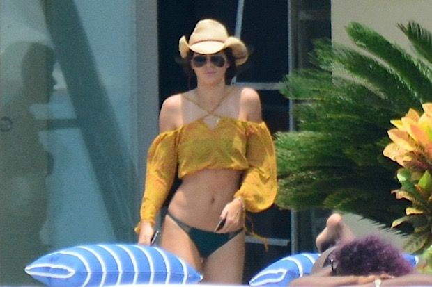 Kendall Jenner Bikinis and Jet Skis it Up in Mexico with Pia Mia and Hailey Baldwin