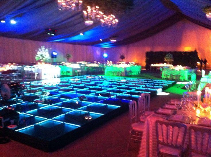 Pista de baile cristal iluminada. #PistasdeBaile #Iluminada #cristal #bodas #eventos