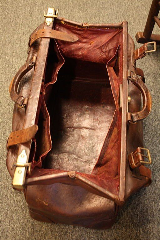 Antique English Leather Gladstone Bag at 1stdibs