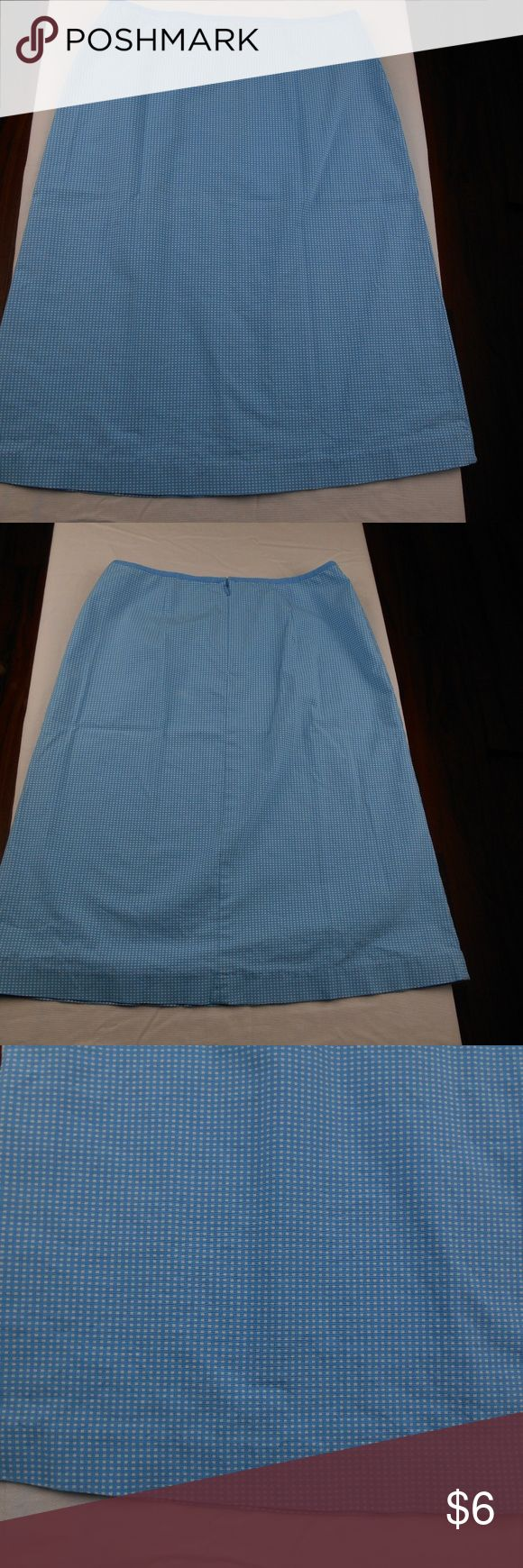 Gap Stretch Skirt Blue/White Gap Stretch Skirt Blue/White Great Preowned Condition Size 2  no pockets back zipper not lined all measurements are approximate taken laying flat close as i can get waist 13 inches (26 inches total) hips 18 inches (36 inches total) length 23 1/2 inches 98% cotton 2% lycra machine washable No Modeling No Trades Thank you for looking Inventory number A12 Gap Skirts