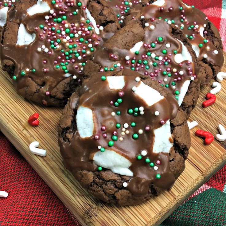 Hot Cocoa Marshmallow Cookies!