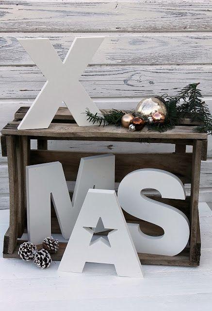 ..kerstmis kist en letters