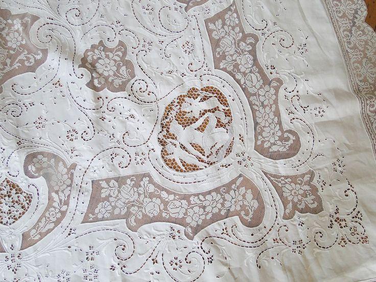 Buyer & Seller of Antique Lace, Fine Linens, Vintage Clothing, Haute Couture, Textiles, Fans