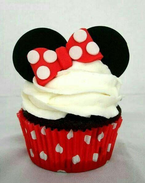 Cupcakes de minnie mouse roja