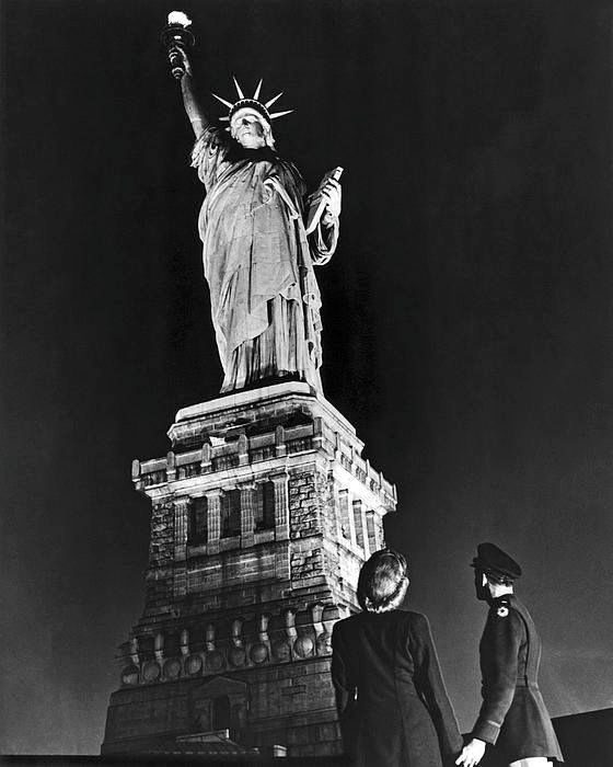Liberty Pull Apart: 49 Best Vintage Statue Of Liberty Photos Images On