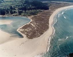 Playa de Villarrube, Loira - Valdoviño (A Coruña). Su extensión es de 1.650 metros por 55 metros de ancho.