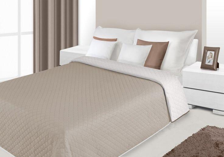 Narzuty i kapy dwustronne w kolorze beżowym na łóżko
