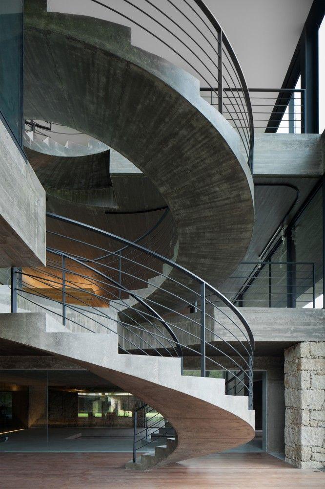 Built by Joo Paulo Loureiro in Mono