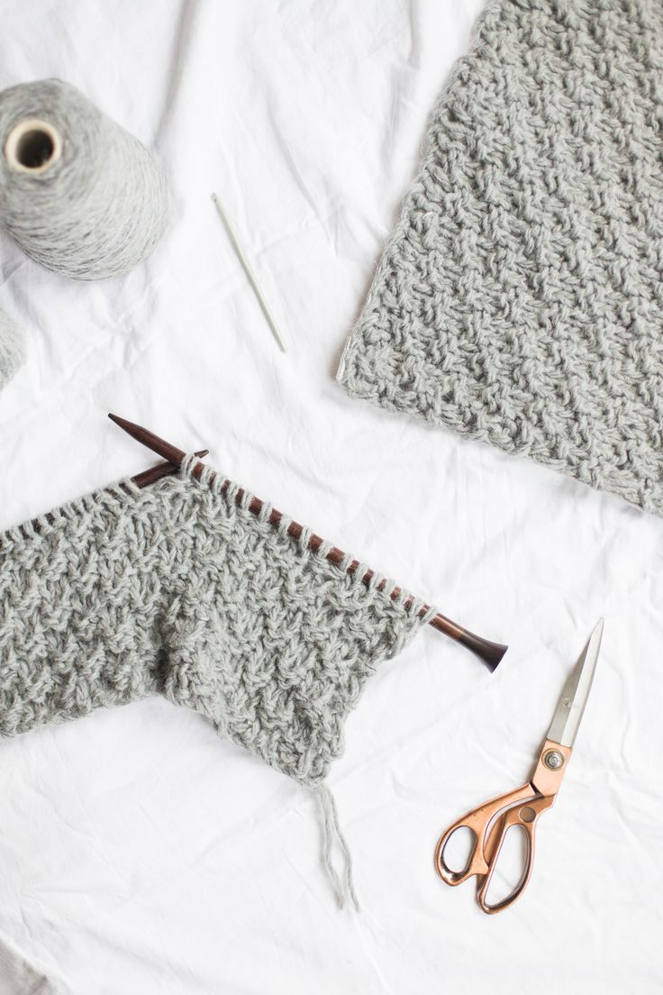 It's knitting DIY time! Find out how to knit a cushion cover with this simple tutorial. It's seriously cosy and can be knitted in a couple of hours.