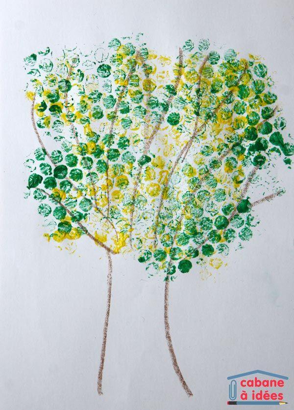 De la peinture avec du papier bulle : un mimosa en fleurs