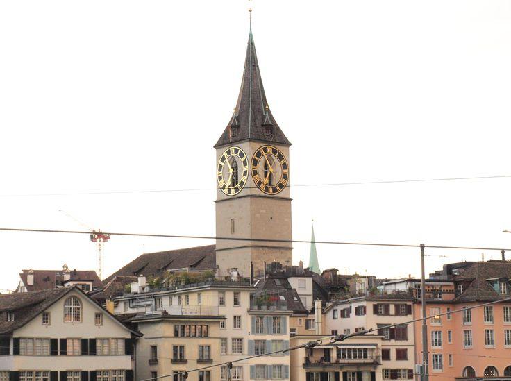 Some snapshots of my visit to Zurich last weekend!  Se quisesse ser uma verdadeira Bernense então teria de odiar Zurique, a nossa rival. Mas acho que nunca o vou poder ser porque adorei a cidade! O tempo estava em nosso favor, a luz ... Read more
