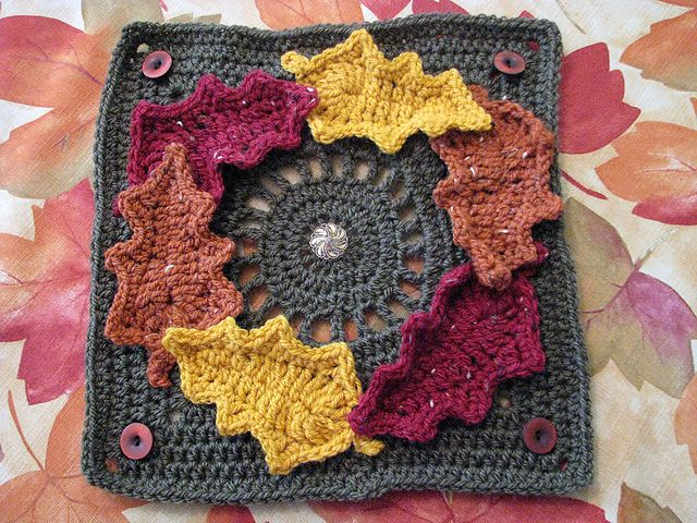 "Fall Wreath with Buttons pattern by Darlene Swaim 12"" ~ free pattern ~ I really like this one; it's so different"