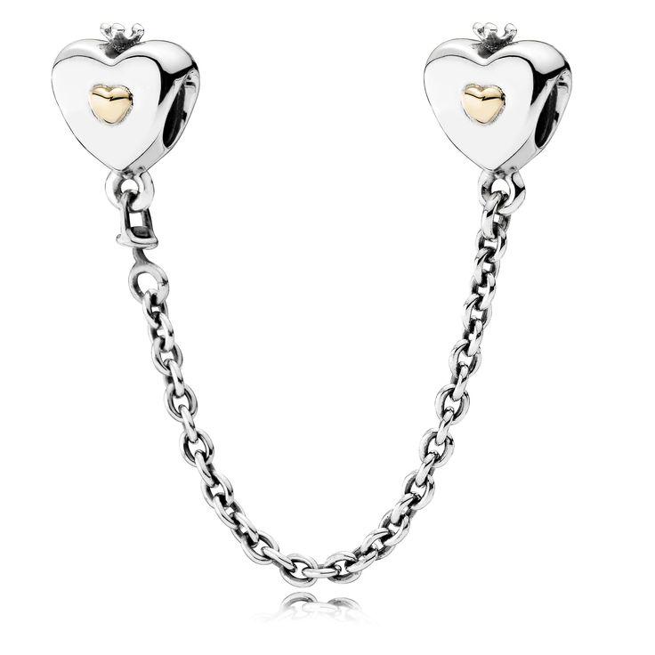 Pandora bedel veiligheidsketting zilver-goud 'Hearts' 791878-05. Zilveren veiligheidsketting in hartvorm met een gouden accent. De veiligheidsketting is bedoeld als extra veiligheid voor je bedelarmband. https://www.timefortrends.nl/sieraden/pandora/oorbellen.html