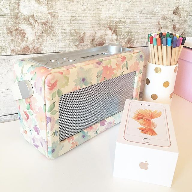 Picked up this floral digital radio in the sale, and treated myself to an upgrade. Have you found any bargains? Hope you are having a great holiday! 💖
