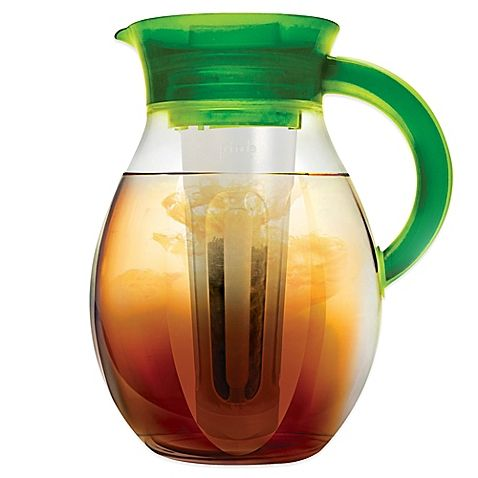 Making delicious hot and cold beverages with The Big 1-Gallon Iced Tea & Cold Coffee Brewer from Primula is easy. It's great for bewing hot and cold tea, infusing fruit flavors into water, infusing mint or lavender into tea, and even for chilling mojitos.