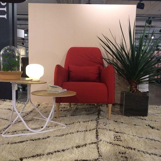 Nyhet i butiken! Vår klassiska fåtölj Daborn har kommit in i en elegant röd färg! Daborn kostar 4900 SEK och finns i flera olika färger. #nyhetpåhabitat #habitatsverige