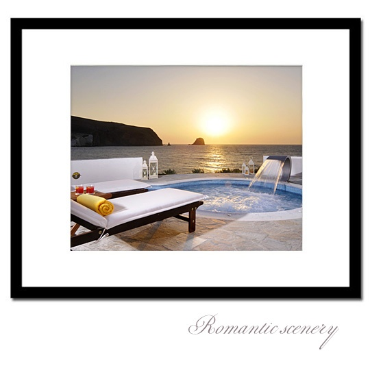 Romantic sceneries in Milos!