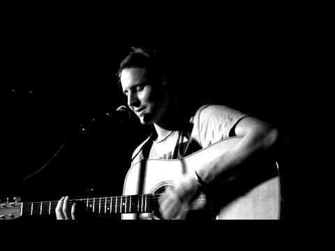 Bones- Ben Howard @ Ruby Lounge, Manchester Live 2011