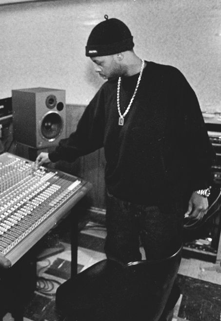15 best ideas about j dilla photos on pinterest donuts dj party and hip hop. Black Bedroom Furniture Sets. Home Design Ideas