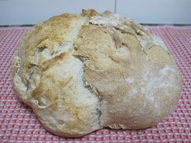 Otra rica hogaza de pan redondo, que al ponerlo a hornear, a greñado de forma impresionante, ya que le había hecho unos cortes lateralesy u...