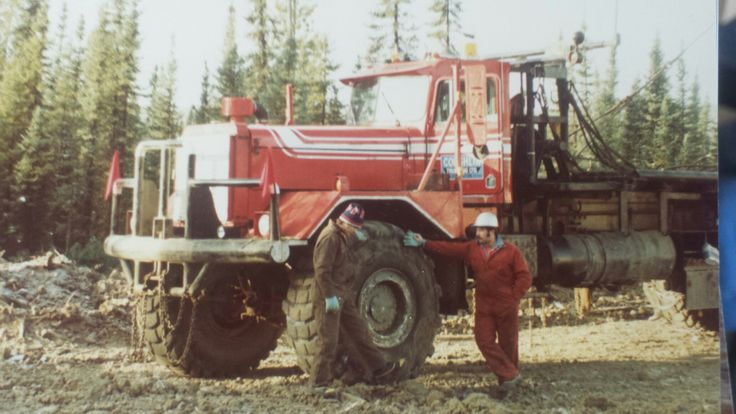 J coughlin trucking on jomax drilling rig move big rig