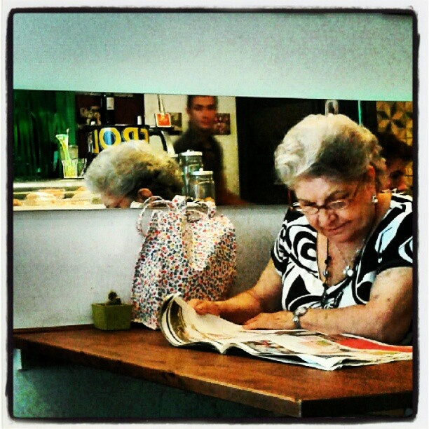 There's no age for reading! http://instagr.am/p/LyFhwHx8BG/