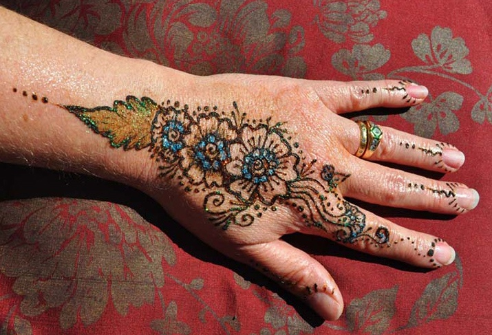 Henna Hand by FizzBubble