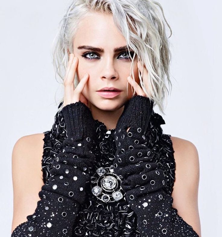 Cara Delevingne by Karl Lagerfeld for Chanel F/W 2017 ✖️✖