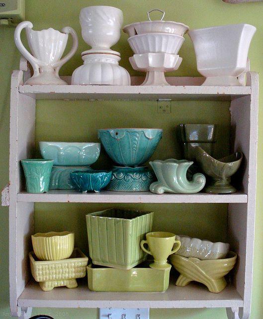 vintage pottery25 Vintage, Decor Tips, Mccoy Pottery, Vintage Pottery, Cottages Marketing, Colors, Vintage Planters, Pottery Collection, Vintage Decor