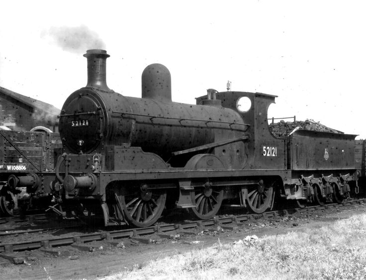 BR ex-LMS ex-L&Y Aspinall Class 3F 0-6-0 52121 at Nottingham shed [6 August 1952]