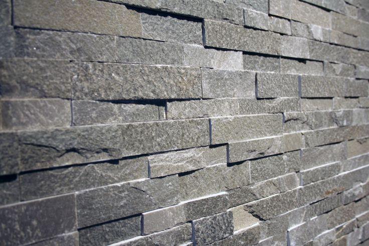 TESU steenstrips Silver grey, dun, Z-formaat 12x40 cm.Mooi voor de woonkamer, op kantoor, werkplek of in de horeca.