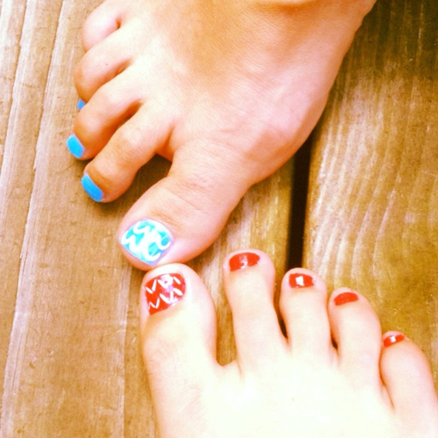 Chevron pedicures!