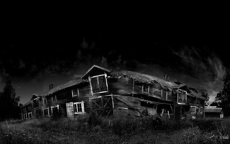 creepy houses  / 1680x1050 Wallpaper