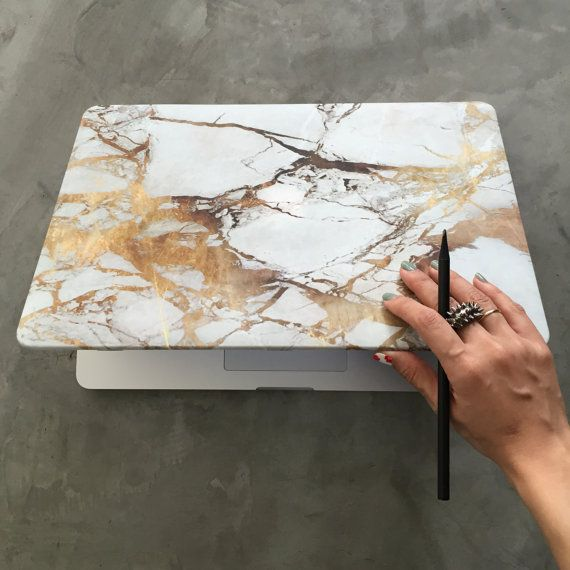 Gold marble MacBook matt case.