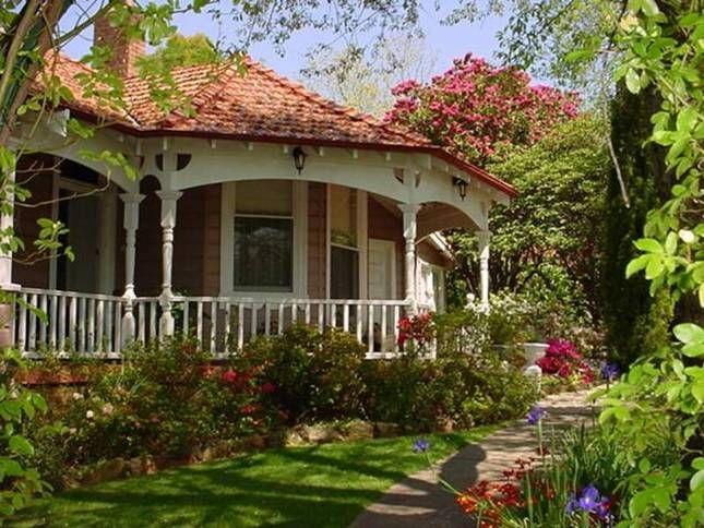Llandrindod Bed & Breakfast Leura | Leura, NSW | Accommodation