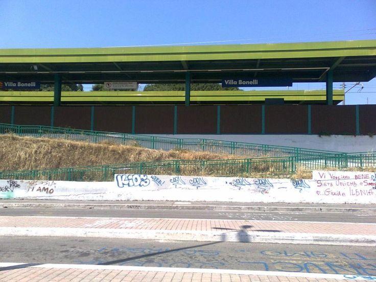 Villa Bonelli, molestie a donne, scippi e borseggi