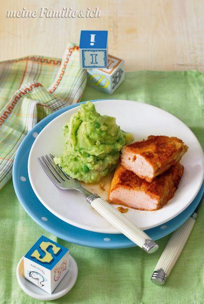 Schnitzel in Tomaten-Parmesan-Hülle mit Erbsen-Kartoffel-Stampf. Einfaches Gericht mit Pfiff, das gibt Kraft für die Hausaufgaben!