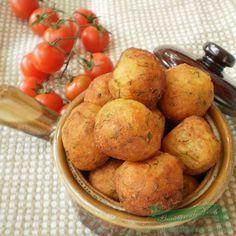 Bulete de cartofi si cascaval.Cum se face reteta de bulete de cartofi cu cascaval.Reteta aperitiv bulete de cartofi si cascaval.