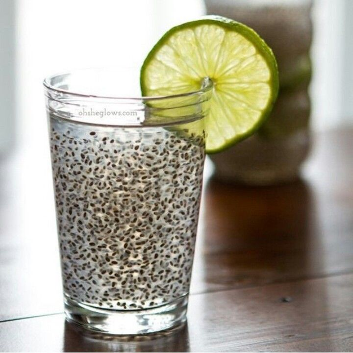 #DETOXTIP // Chia Seeds In Water: For a natural appetite suppressant add chia seeds to your water - they're full of fibre and can absorb up to 10 times their weight in water, expanding and taking up more space in your stomach, keeping you feeling full for longer. To keep hunger at bay, I would suggest sipping on Chia seeds in water with freshly squeezed lemon or lime for their detoxifying and alkalising benefits. Chia Fresca: • 2 cups water or coconut water • 1.5 tbsp chia seeds • 1/2 tbsp…