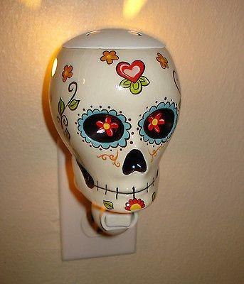 Day Of The Dead Dia de Los Muertos Sugar Skull Night Light Scent Warmer Wall. 17 Best ideas about Skull Bedroom on Pinterest   Skull decor