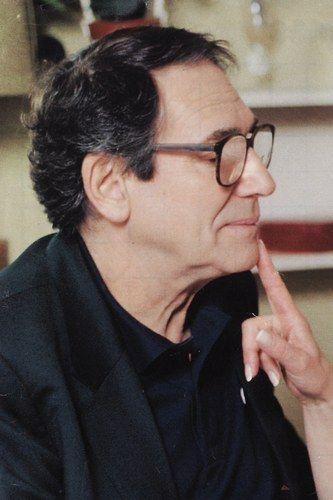 Distinctions a Hossein - Molière d'honneur, 1995 -Grande médaille de vermeil de la Ville de Paris, 2000 - Commandeur de la Légion d'honneur, 2005 - Commandeur de l'ordre du Mérite culturel de Monaco (2006)