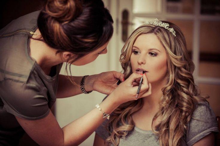 8 rzeczy, o których Panna Młoda zapomina idąc na próbny makijaż i fryzurę