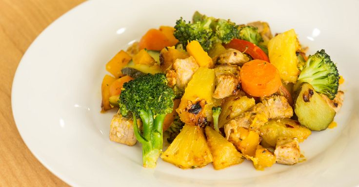 This pork and pineapple combo is easy to make and a real winner! #yumpaleo #yum #paleo #delicious #happytummy #happyhormones #pork #stirfry #foodporn #igers #thebest #healthy #recipes
