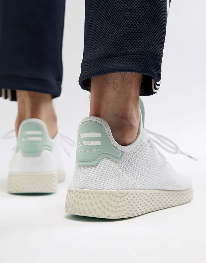 Light Gray Pharrell Williams Tennis Hu Primeknit Sneakers Adidas Originals Adidas Pharrell Williams Adidas Outfit Pharrell Williams