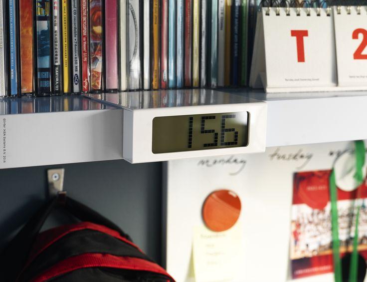 Ceasul VIKIS e pregătit să îți dea trezirea în fiecare dimineață.